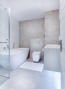 מקלחון דלת הזזה - האם זה פתרון לבעיות אדריכליות